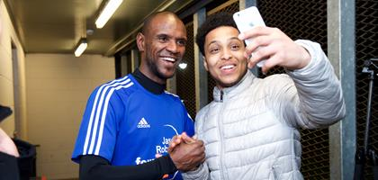 Eric Abidal with youngster selfie.jpg